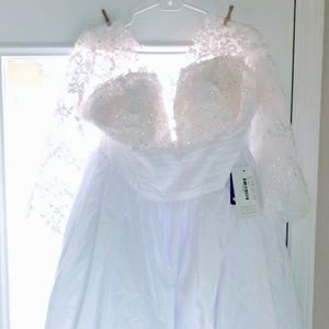 Dresses & Skirts - Wedding dress from jjs house